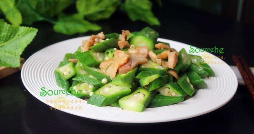 炒秋葵增加這一步,顏色翠綠,口感爽滑,鮮嫩脆口,很好吃!
