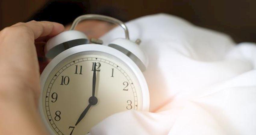 為啥越睡越困?破解春困魔咒,專家教你三招