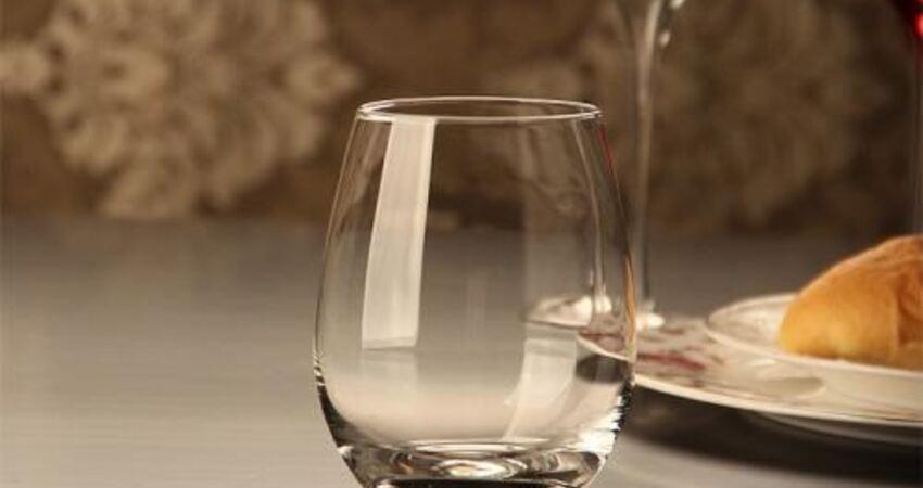 玻璃瓶比塑料瓶更安全嗎?未必,有些玻璃瓶反而含鉛,不適合喝水
