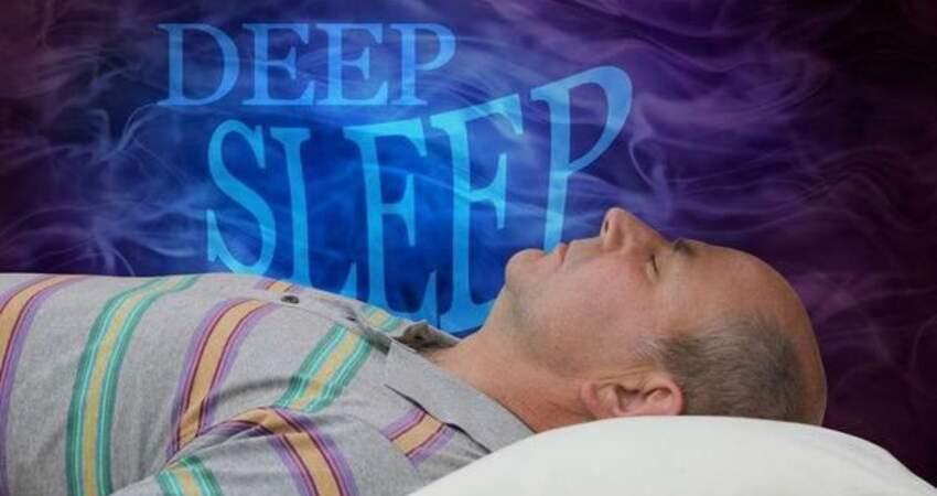 睡到半夜總醒來?若伴有3個特徵,警惕血栓正在進行,最好檢查一下