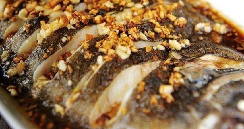鄰居教我的蒸魚方法,又鮮又嫩,一點也不腥,一上桌就被家人搶光了