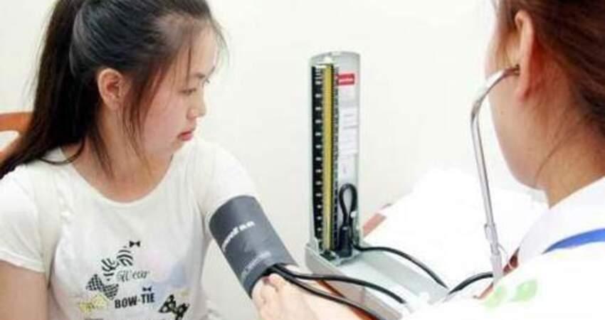 高血壓患者夏天不適合吃什麼?做到不吃2種食物,血壓不飆升