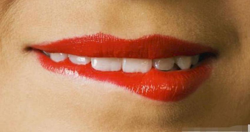 心理測試:下面三個嘴唇,哪一個在哭著?測你近期的心理壓力