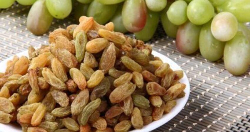 秋天吃葡萄乾、桂圓乾營養豐富、利於吸收,但少吃蜜餞和水果脆片