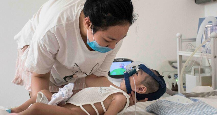 嬰兒患罕見病全身肌肉萎縮,有藥能救命但打一針需70萬