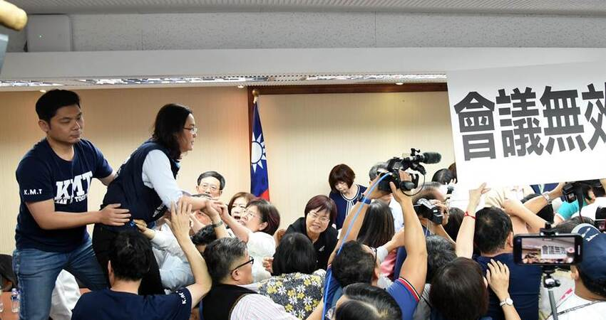 綠委:「金門豬滾回中國去」 陳玉珍火大回擊