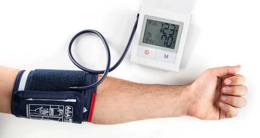 一旦確診高血壓,注意少碰2黃,做好3件事,控制血壓不飆升