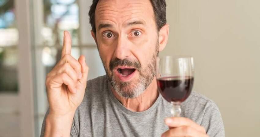喝紅酒能護血管?闢謠:要想預防心臟病,這5種方法更為重要!