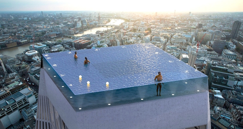恐高不能游!世界首座「360度無邊際泳池」 蓋摩天樓頂、地板全透明