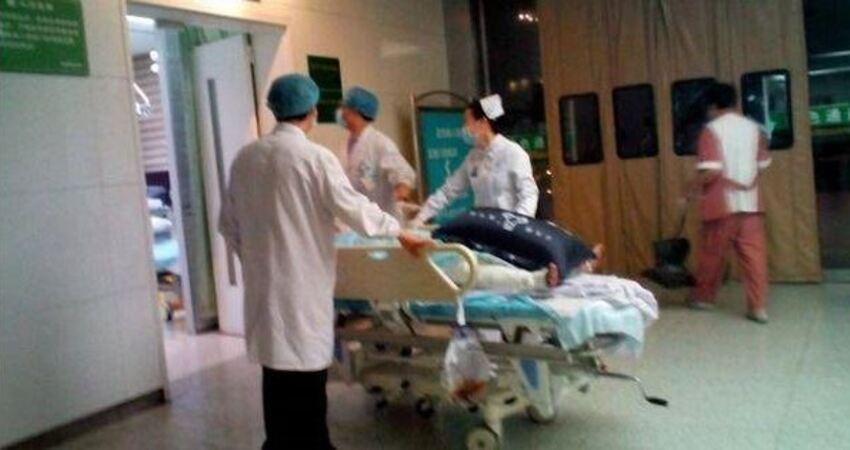 36歲男子,深夜腦出血離世,醫生惋惜:睡前最忌這1件事!