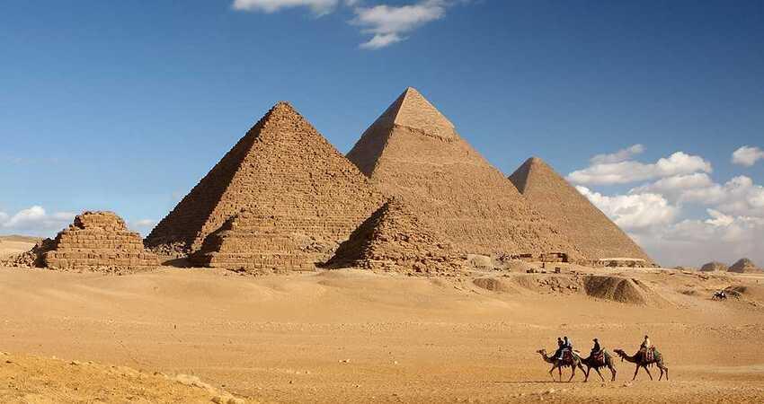 埃及95%的國土是沙漠,靠著石油與天然氣養活上億的人口