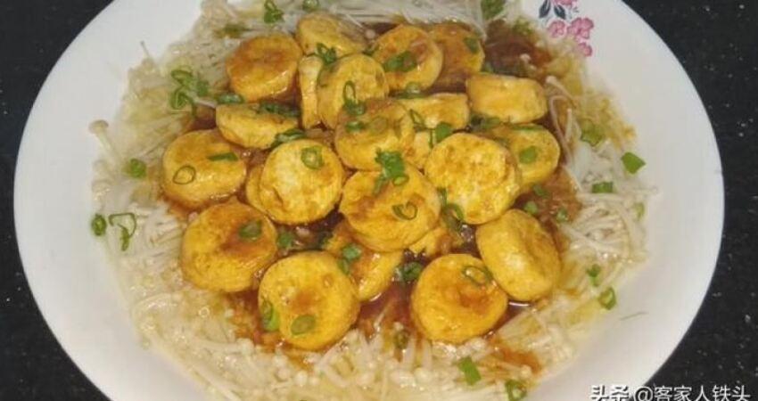 金針菇加5塊豆腐,教你簡單下飯菜好吃又解饞