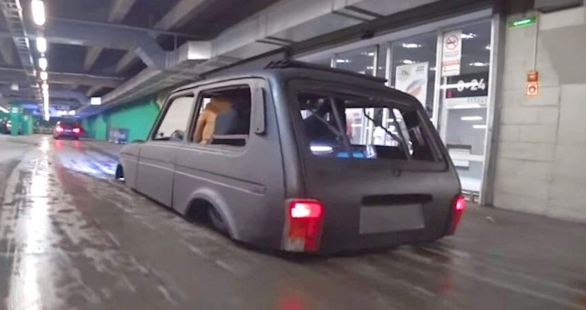 低底盤超跑也不夠看!俄羅斯「史上最低」改裝車 路上高速甩尾超狂!