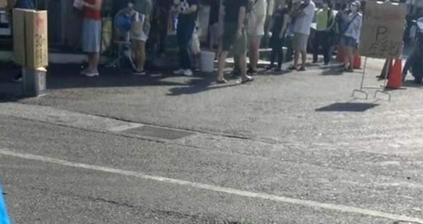 週末人潮爆發!宜蘭蔥油餅至少12人排隊 當地人氣炸:真的自私
