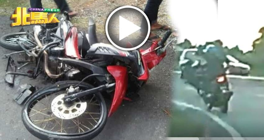 14歲少年耍特技,抬車頭很拉風!下一秒兩輛轎車為閃避摩哆無辜涉禍!