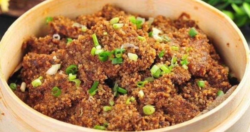 一斤五花肉,兩大把米粉,拌一拌蒸一蒸又酥又嫩,饞的口水直流!