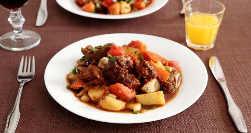 牛排骨這樣亂燉一鍋,比農家樂還要嗨!一人一大盤,吃到撐!