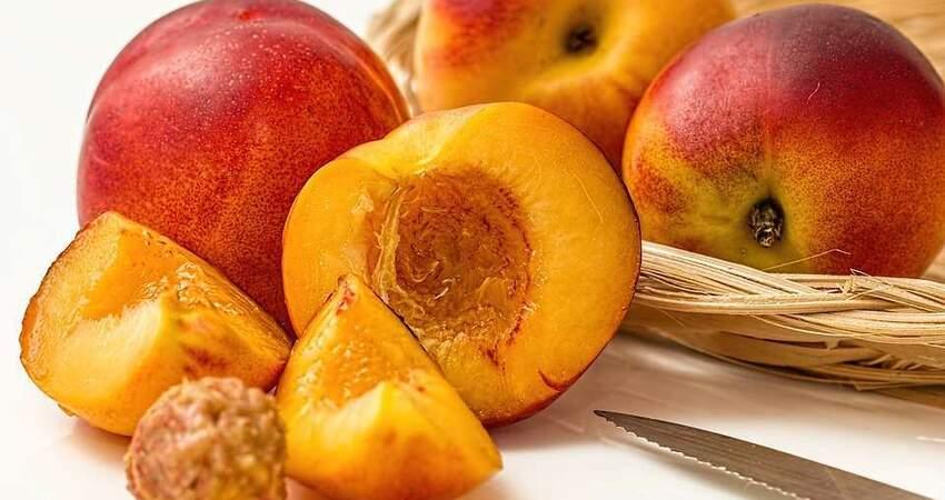 吃油桃能緩解便秘?雖有3個好處,但人們易忽略這3個反作用