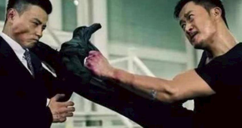 周潤發叫他師父,吳京被他踢500腳,網友:就怕他穿西裝!