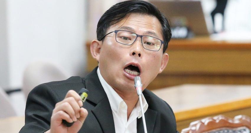 黃國昌發函要NCC廢除中天電視執照