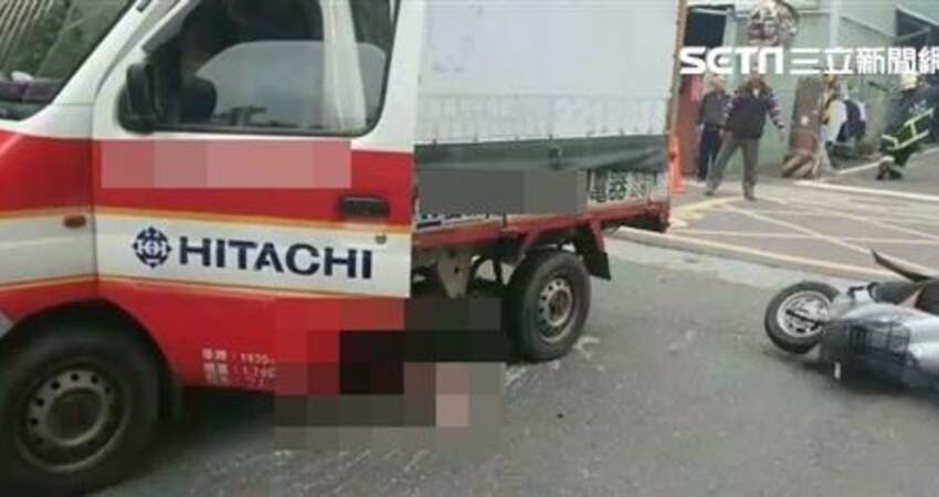 嘉義嚴重車禍男騎士當場被捲入貨車底協助將脫困後,發現..............