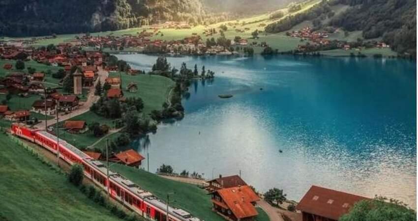 瑞士一年有四季,小鎮龍疆就美了整整四季
