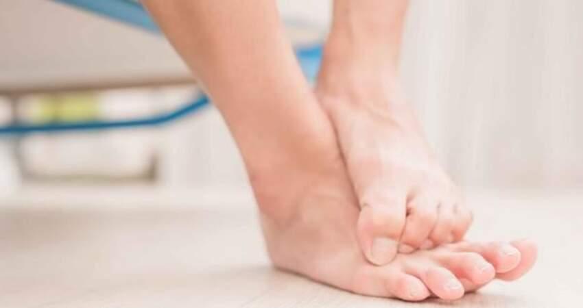 腳氣讓人飽受其苦,提醒:治療腳氣有妙招,這幾個小方法可以一試