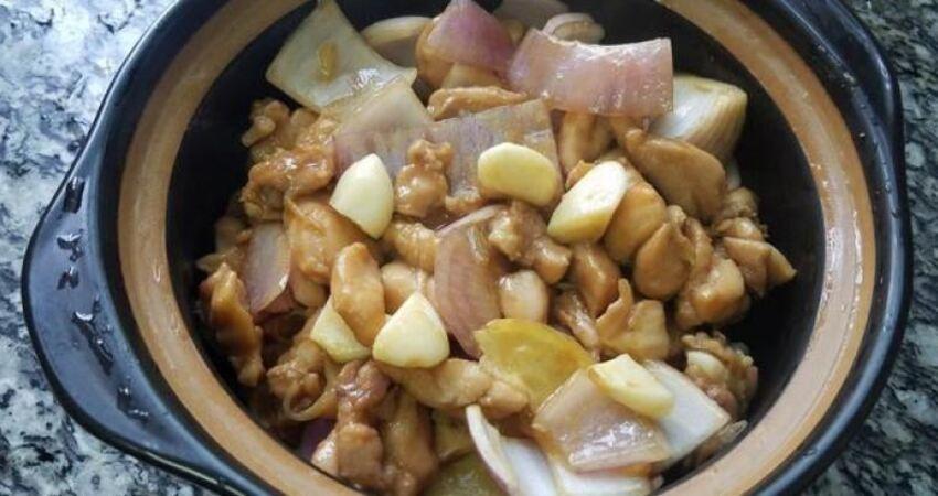 洋蔥燜雞腿,又香又好吃的一道下飯美食,做法簡單味道濃