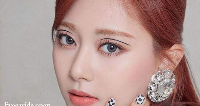 台灣粉絲怒:周子瑜的眼妝怎麼了? 要化妝師出來面對!
