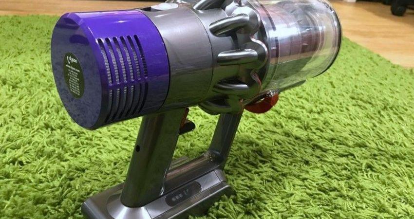 開箱]『 Dyson Cyclone V10無線手持吸塵器 』馬達強力升級 + 多種貼心新功能讓居家打掃變得更輕鬆
