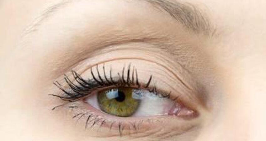 肝不好,眼先知?提醒:眼珠發黃,暗示體內有這些病變,注意檢查