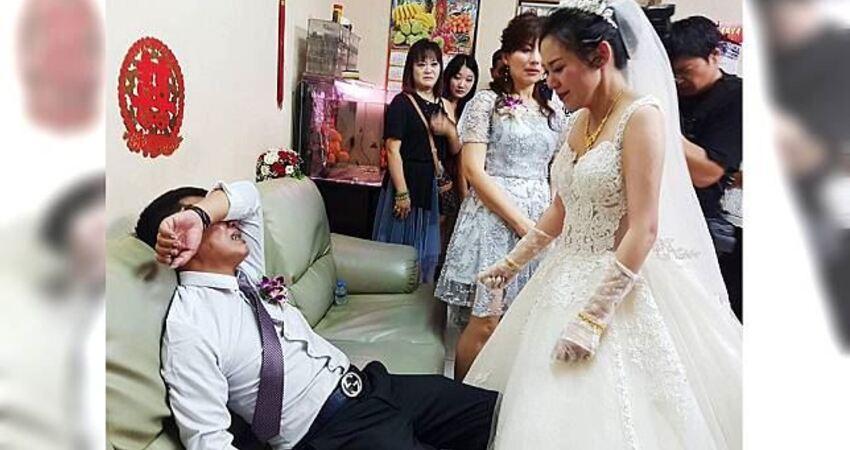 前世情人出嫁…鐵漢父沙發崩潰痛哭 照片惹哭4萬人
