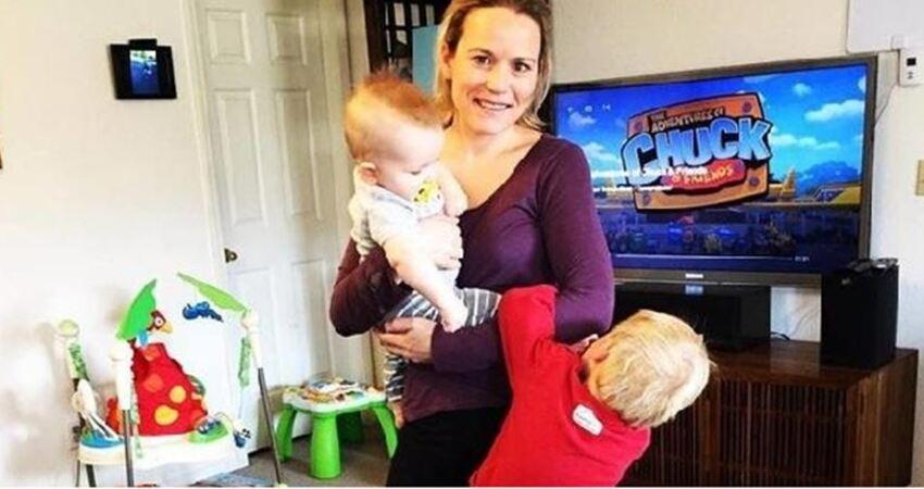 媽媽獨自照顧兩個孩子到淚崩,怒寫抗議信給老公,意外戳中許多人的心聲!