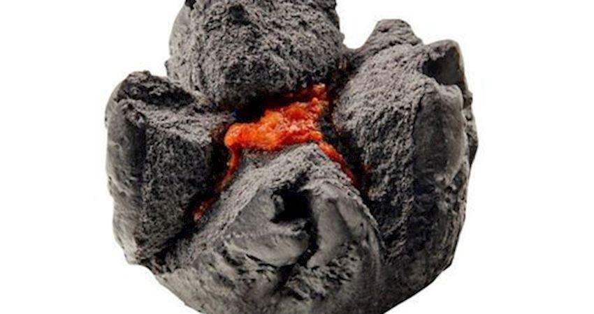 超狂燒肉洋芋片截角消費換燒肉蛋糕。搞怪零食