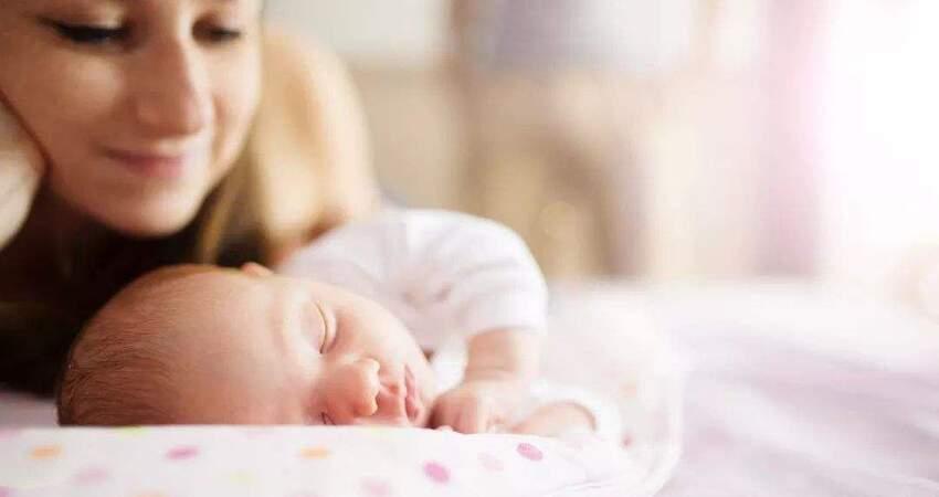 哄孩子入睡的時候,不要有這些行為,易對孩子造成傷害