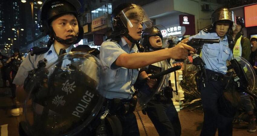 反送中以來首次 港警證實向示威者開槍示警