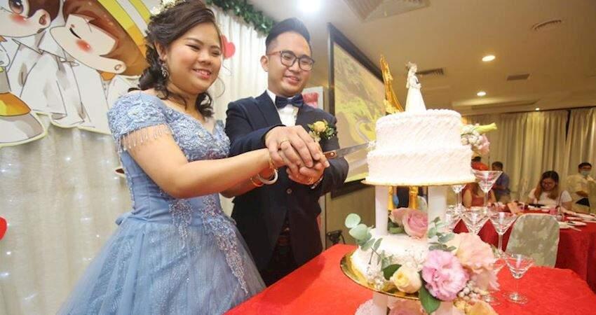 「999令吉聘金」事件---吳箭雄和白淑君,舉行結婚喜宴,有情人終成眷屬!