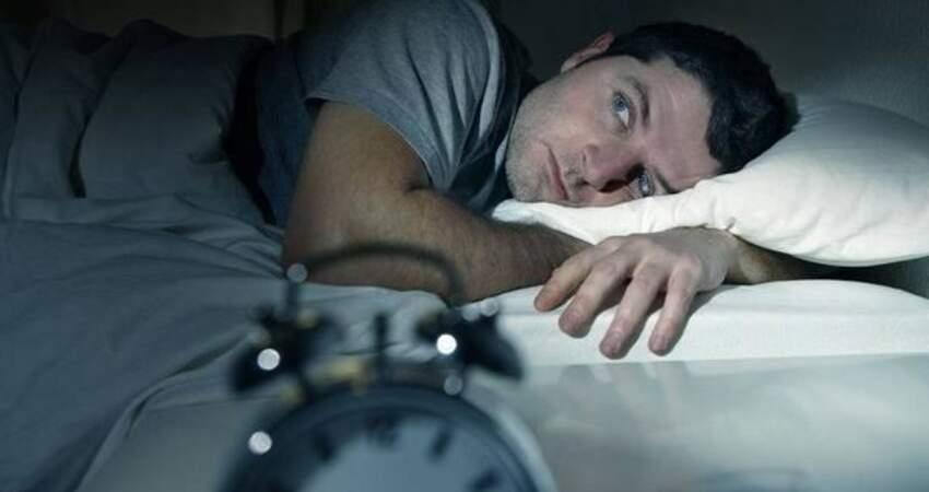 常常半夜兩三點醒來睡不著?4種原因或是常態,或許你現在還在犯