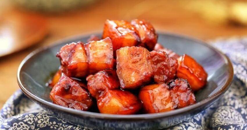 做紅燒肉時,最忌直接焯水了!多加這一步,不膩不腥更入味