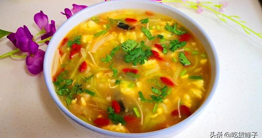 做絲瓜湯時,不要直接下鍋,忽略了這1步,難怪湯味不夠鮮美