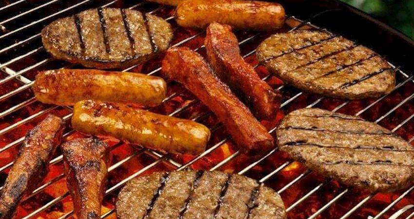 韓國人吃燒烤,非洲人吃燒烤,中國人吃燒烤,差距一目了然