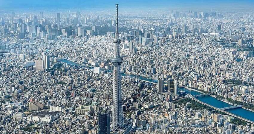 東京晴空塔點亮東京夜晚、抗疫燈火傳遞希望