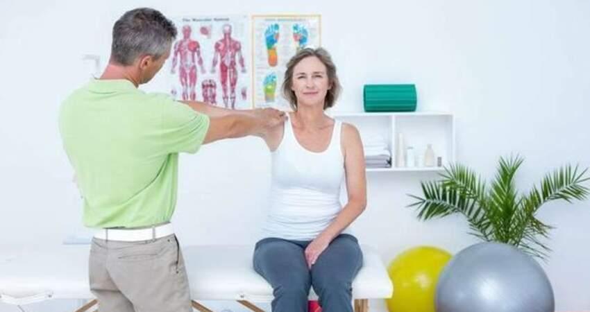 左臂疼痛不容忽視,可能是這4種疾病,在向你打招呼