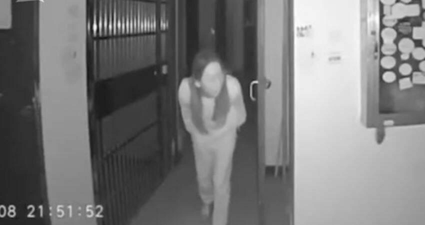 監控實拍:武漢一女子向樓道門把手吐口水,該小區已確診30多人 經排查後真相大白