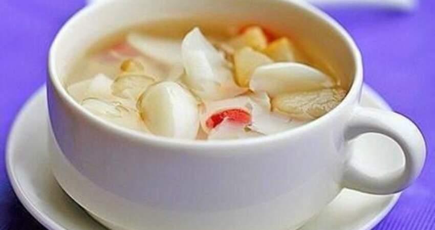 春季總是喉嚨乾燥、咳嗽?在家做兩種湯飲,潤喉止咳還補水