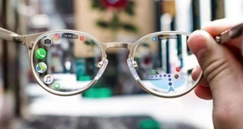 再也不用一直配鏡! Apple提交新專利「智能眼鏡」可瀏覽手機、自動調整度數
