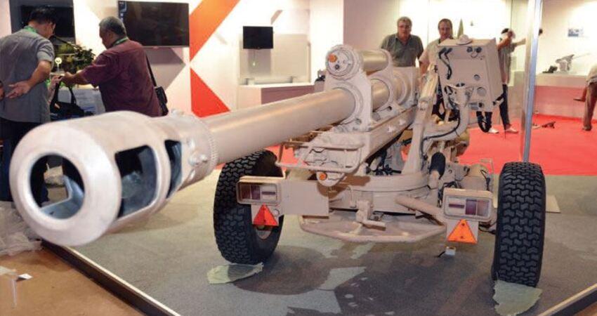 15秒能打6發炮彈,射程17公裡,只有1.6噸105毫米法國超輕榴彈炮