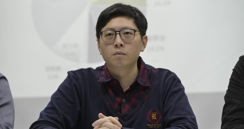【誰的豪華農舍】王浩宇否認與農舍有關 詹江村賣關子:我彈無虛發