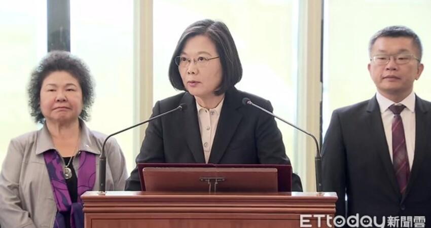 黃國昌爆:國安人員陪蔡英文出訪 狂買645萬免稅菸