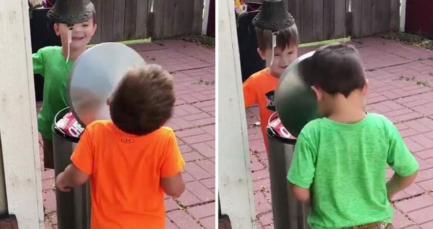 2個小男孩玩「垃圾桶蓋拍臉」遊戲 臉輪流被拍飛還笑超嗨